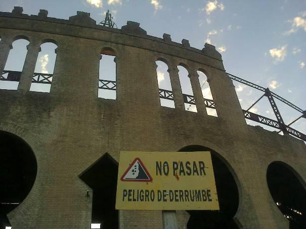 Prohibído pasar Plaza de Toros